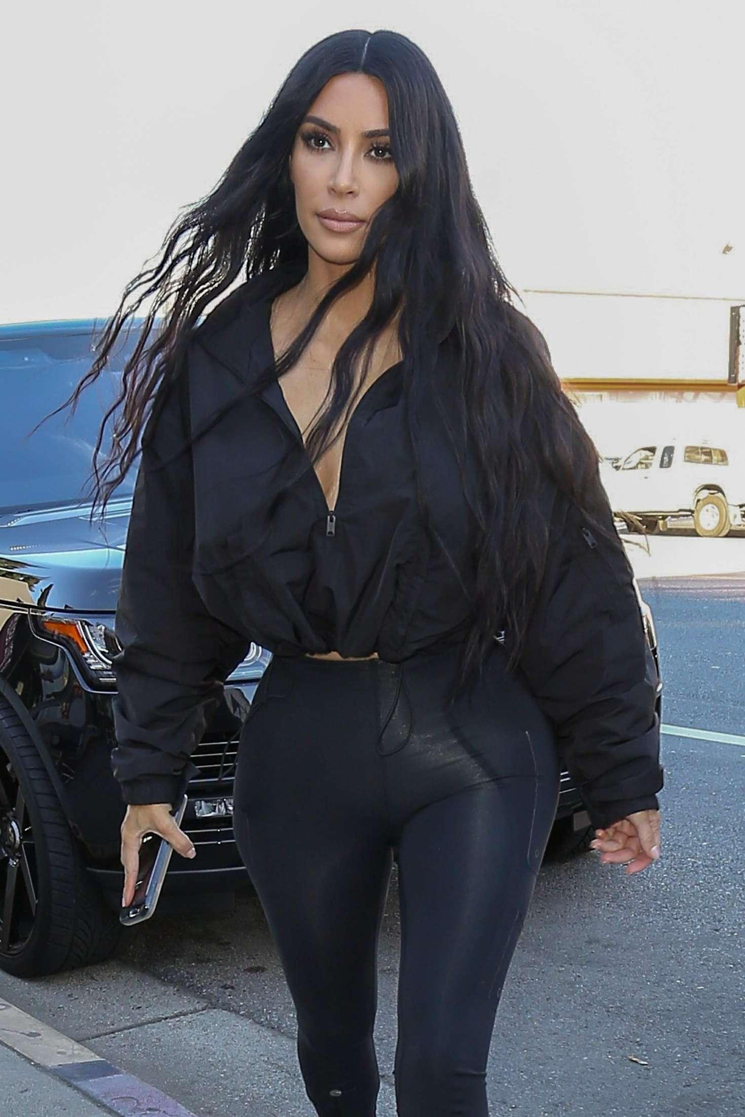 Kim Kardashian 2018 : Kim Kardashian: Shopping at Sap and Honey -06