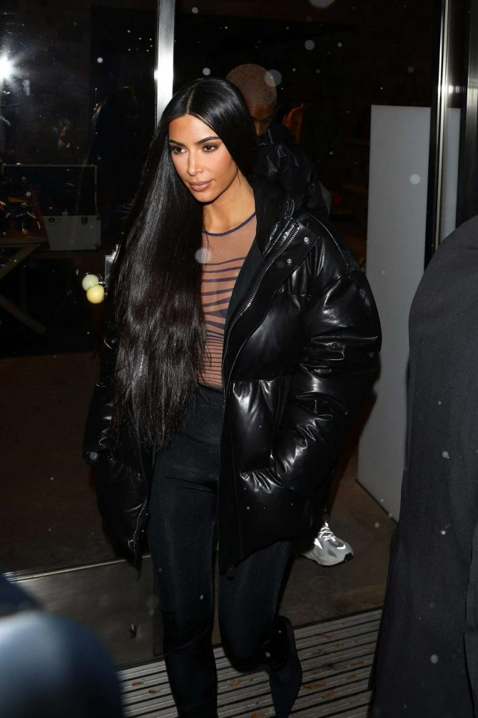 Kim Kardashian – Shopping in Aspen