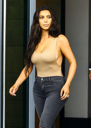 Kim Kardashian: Shopping in Miami -29  Kim Kardashian