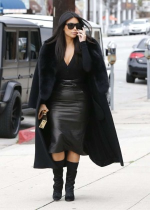 Kim Kardashian - Visiting a sporting goods store in LA