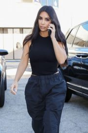 Kim Kardashian - Visiting a Cryo Therapy shop in Woodland Hills