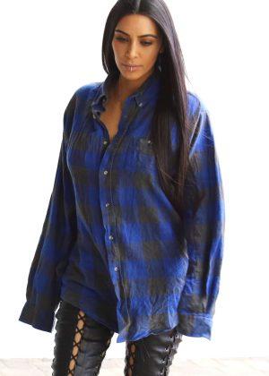 Kim Kardashian - Visiting a studio in Hollywood