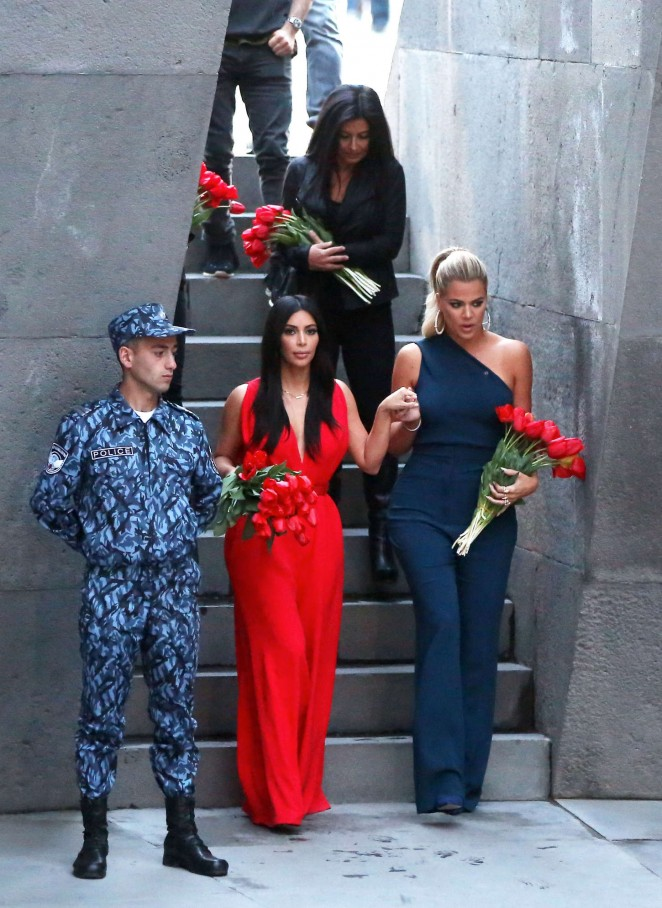 Kim Kardashian: Visiting the Armenian Genocide Memorial -01