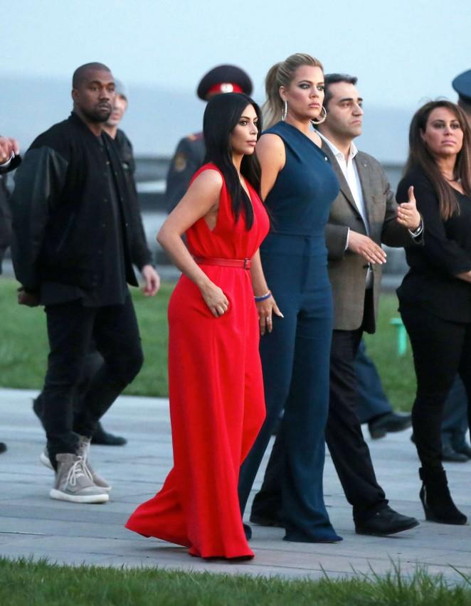 Kim Kardashian: Visiting the Armenian Genocide Memorial -10