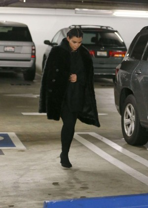 Kim Kardashian visits a doctors office -05