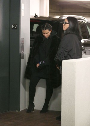 Kim Kardashian visits a doctors office -08