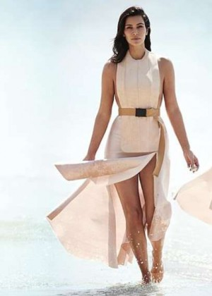 Kim Kardashian - Vogue Australia 2015 -01