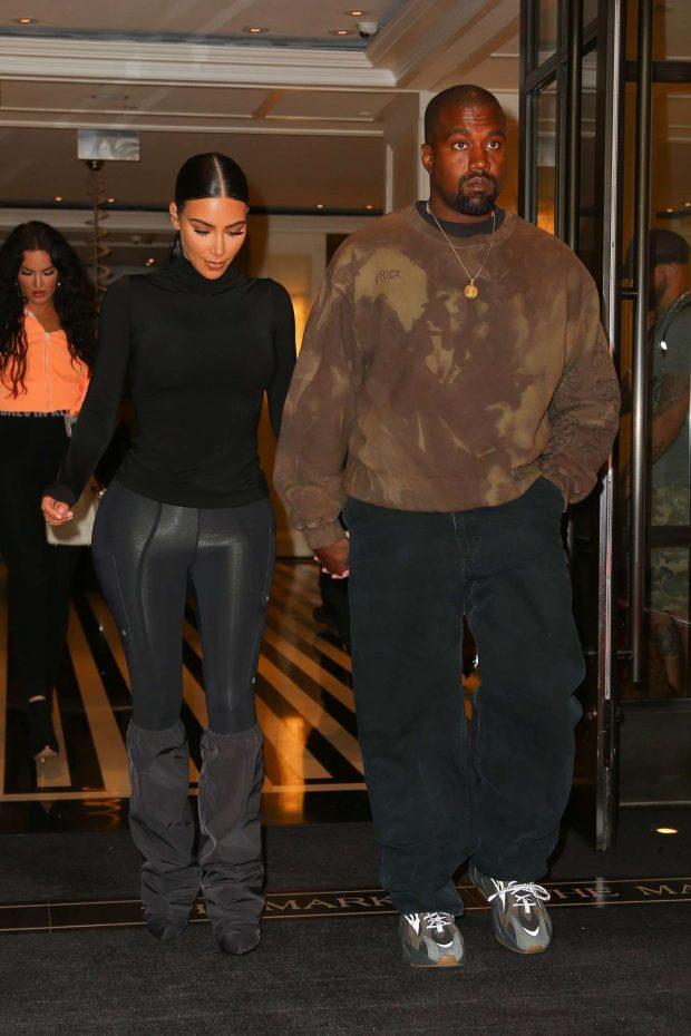 Kim Kardashian with Kanye West: Exit their hotel in New York -05