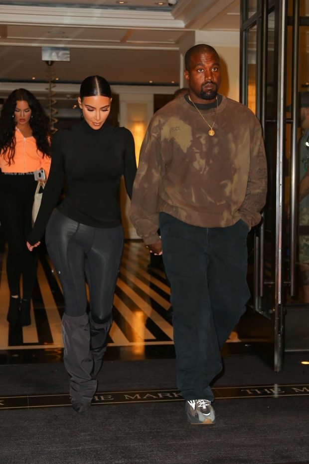 db679aca41f0 Kim Kardashian with Kanye West: Exit their hotel in New York -08 ...