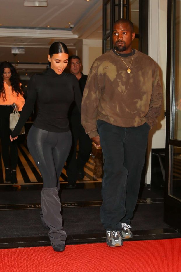 Kim Kardashian with Kanye West - Exit their hotel in New York