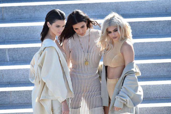 Kim Kardashian: Yeezy Show 2016 -02