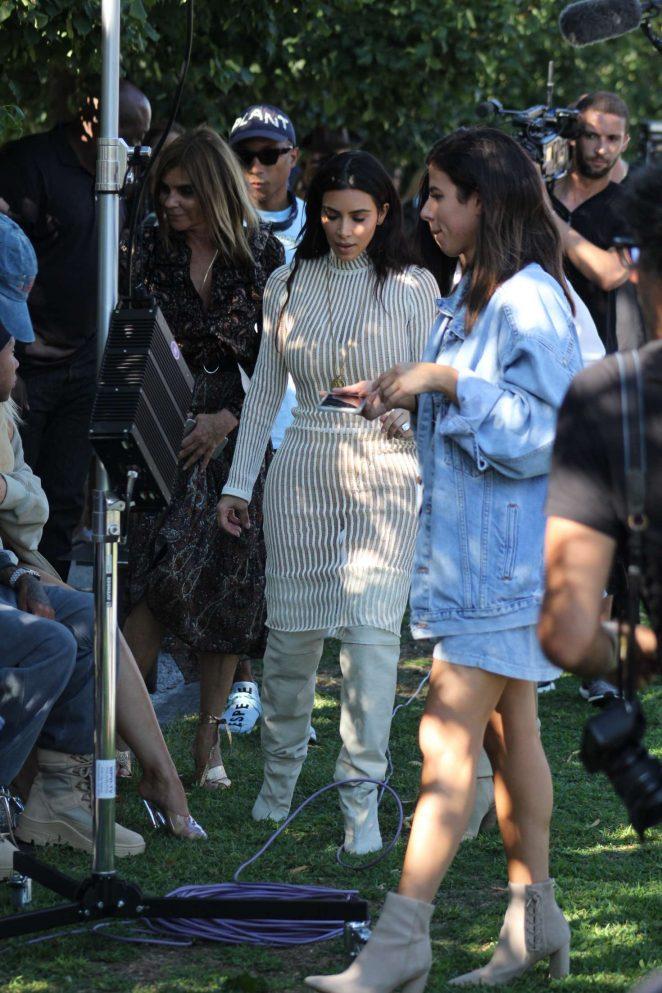 Kim Kardashian: Yeezy Show 2016 -14