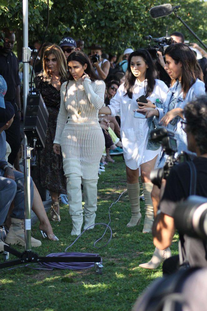 Kim Kardashian: Yeezy Show 2016 -16