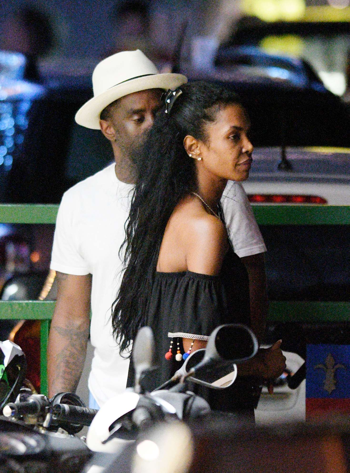 Diddy heads out with girlfriend Cassie   Daily Mail Online