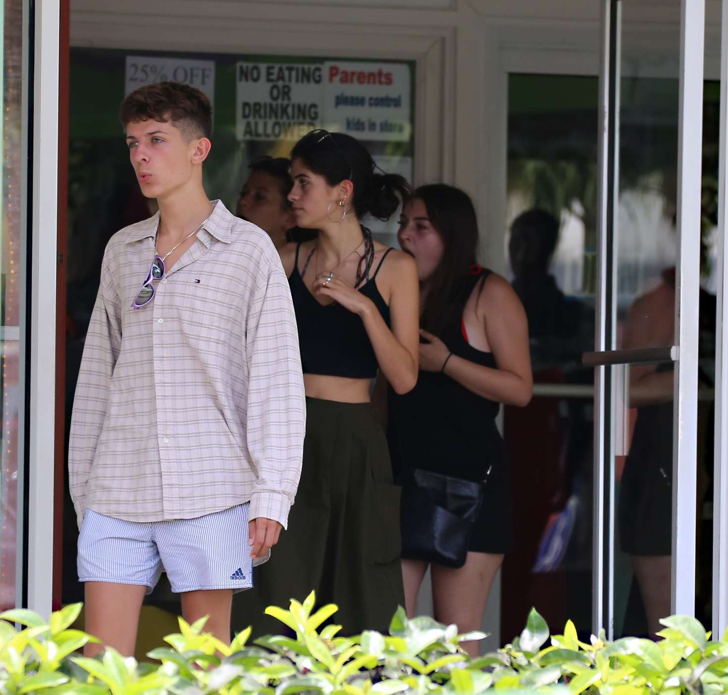 Kim Turnbull 2017 : Kim Turnbull out and about in Barbados -16