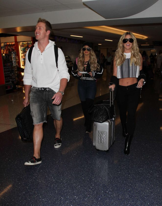 Kim Zolciak at LAX airport -04