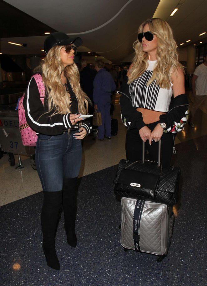 Kim Zolciak at LAX airport -06