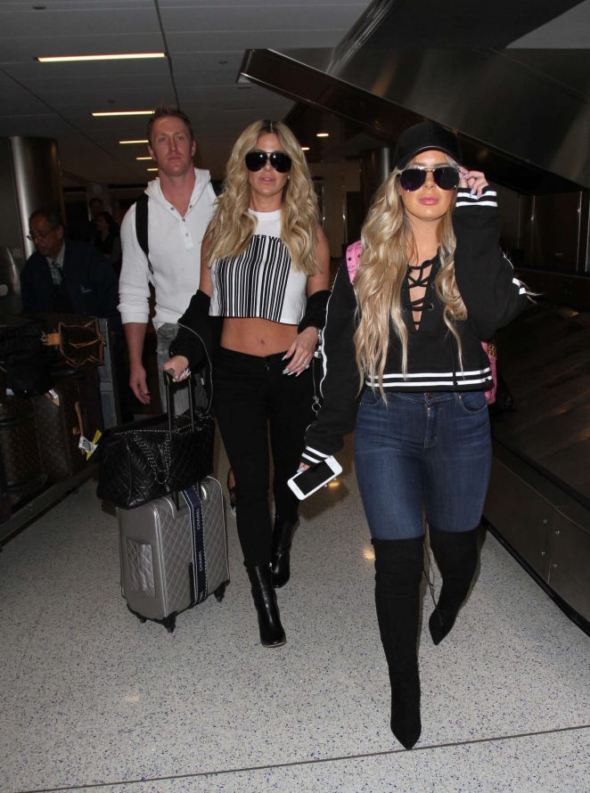 Kim Zolciak at LAX airport -09