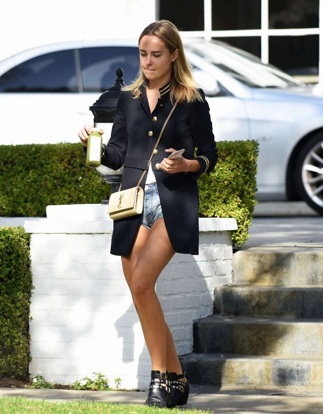Kimberley Garner At The Creative Artists Agency 10