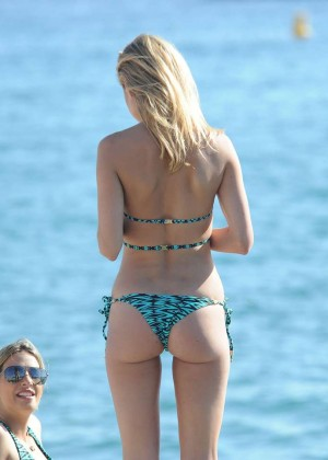 Kimberley Garner Hot in Bikini -53