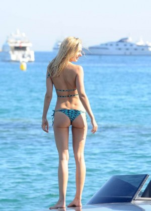 Kimberley Garner Hot in Bikini -56