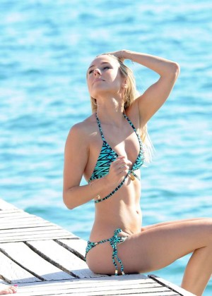 Kimberley Garner Hot in Bikini -66