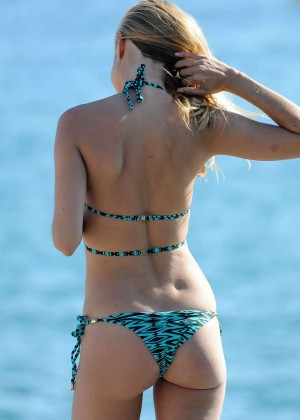 Kimberley Garner Hot in Bikini -83