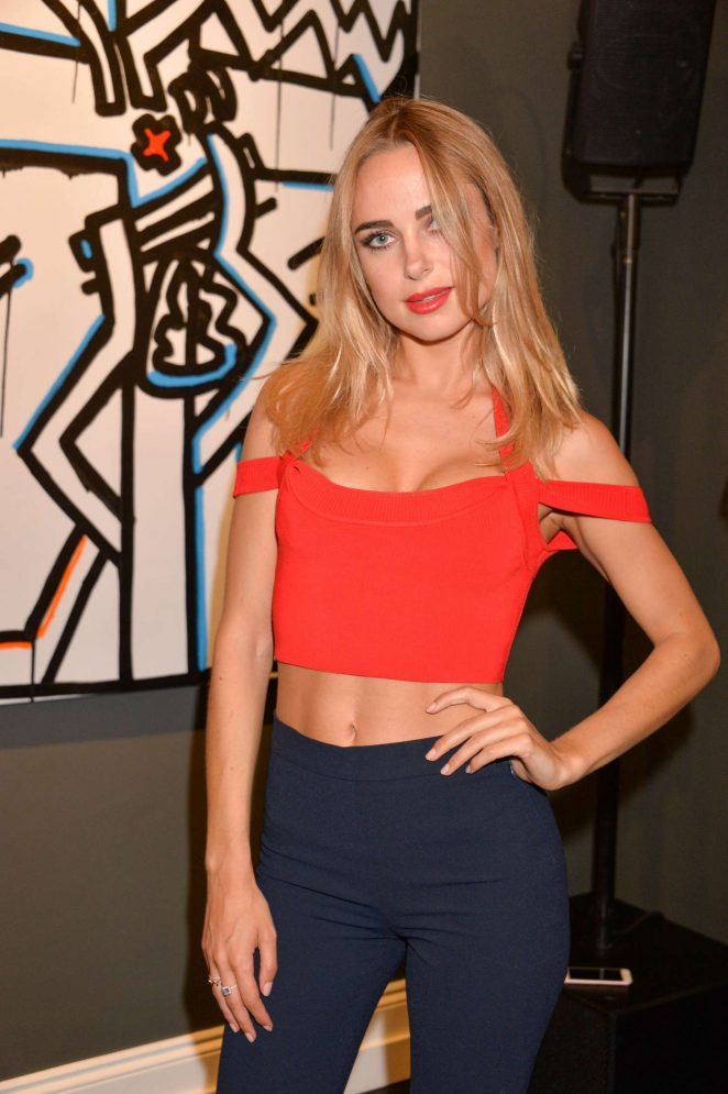 Kimberley Garner – Danny Minnick 'One Love' Exhibition in London