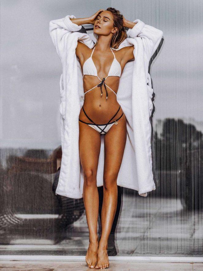 Kimberley Garner Hot Bikini Photoshoot