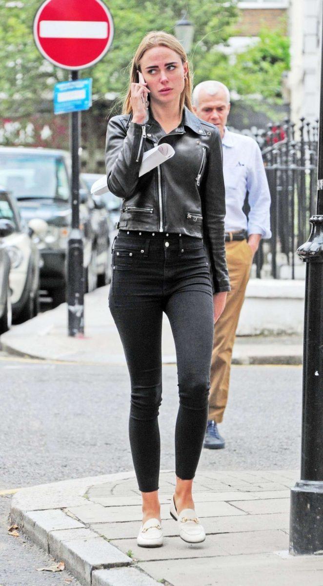 Kimberley Garner in Black Jeans – Out in London