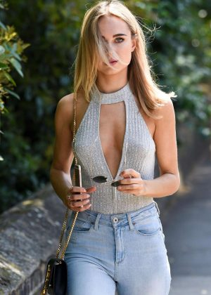 Kimberley Garner in Tight Jeans out in Chelsea