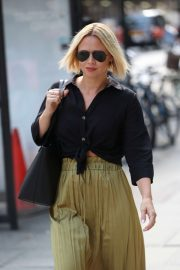 Kimberley Walsh - Arrives at Build TV in London