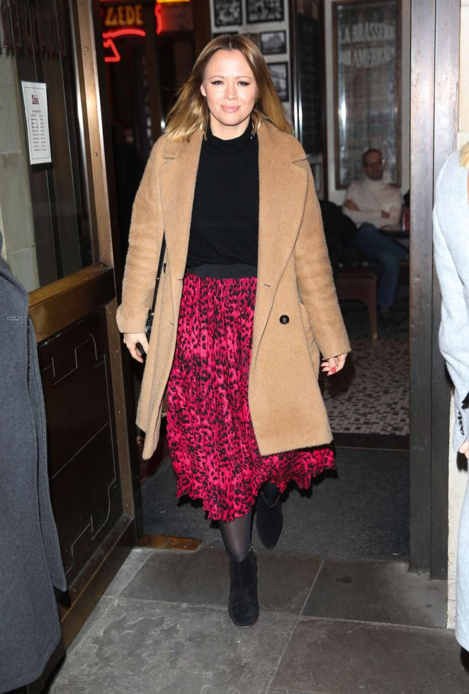 Kimberley Walsh – Arrives at Gaby Roslin special Christmas show in London