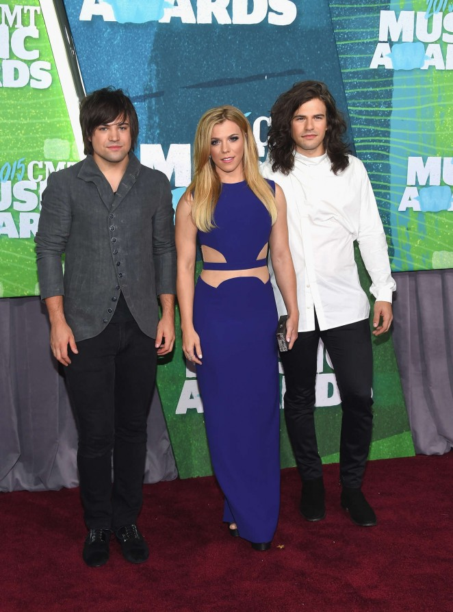 Kimberly Perry: 2015 CMT Music Awards -02