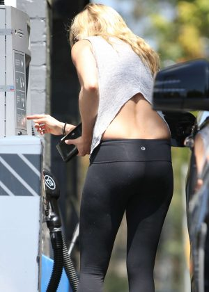 Kimberly Stewart in Tights at gas station in Brentwood