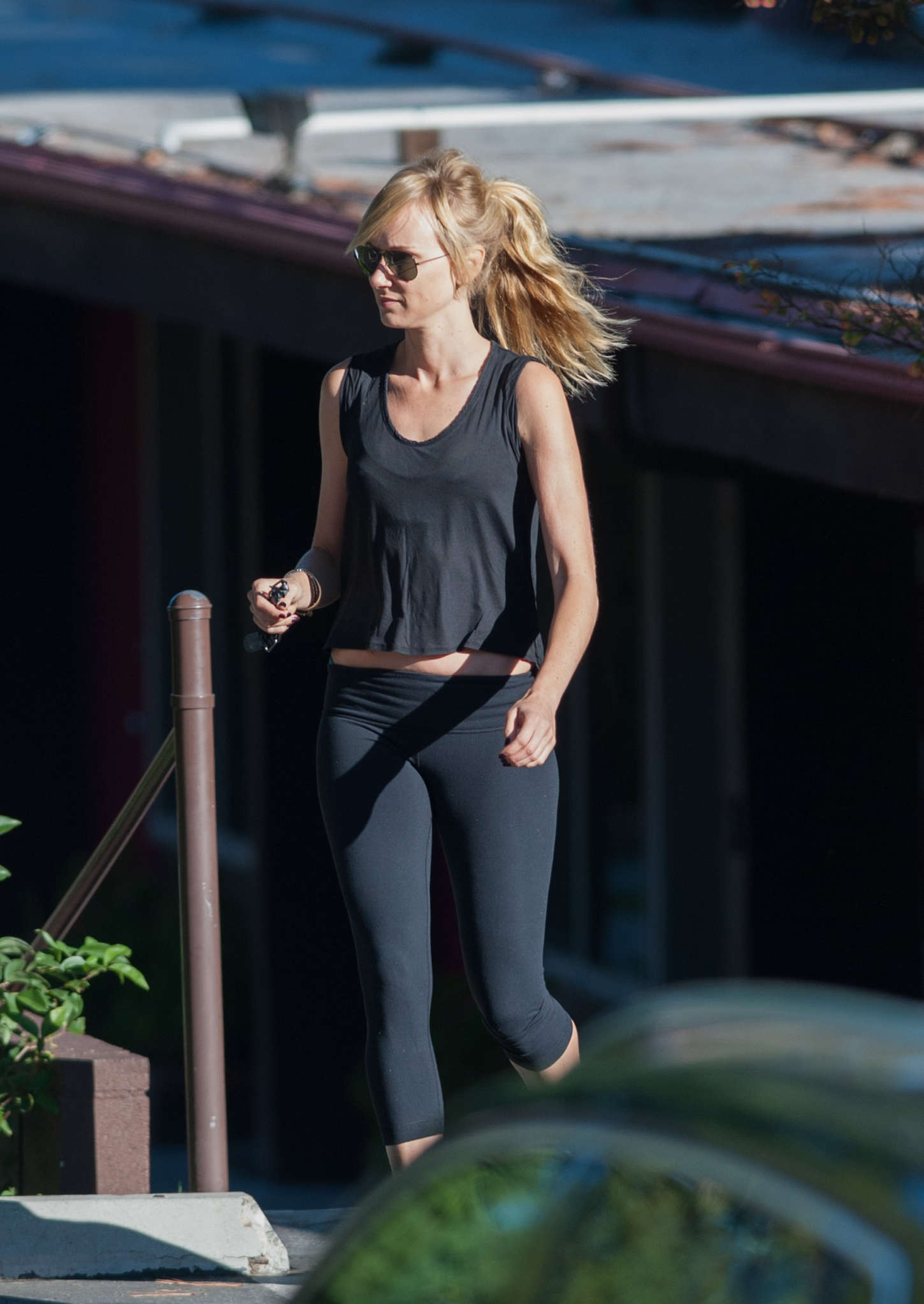 kimberly stewart in tights -10