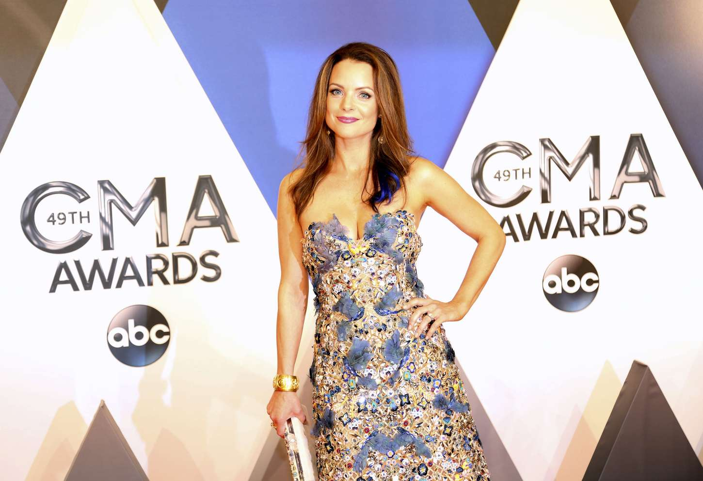 Back to post Kimberly Williams-Paisley – 49th Annual CMA Awards in ...