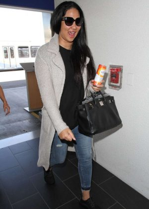 Kimora Lee Simmons Arrives at LAX Airport in Los Angeles