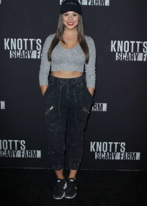 Kira Kosarin – Knott's Scary Farm Celebrity Night Photocall in Buena Park
