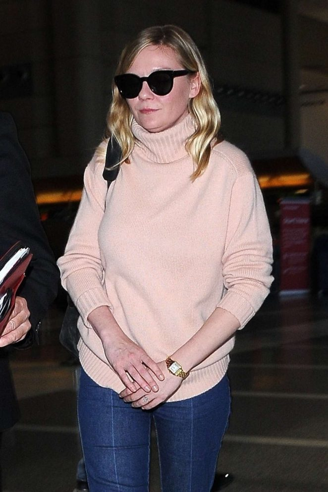 Kirsten Dunst – Arrives at LAX Airport in Los Angeles