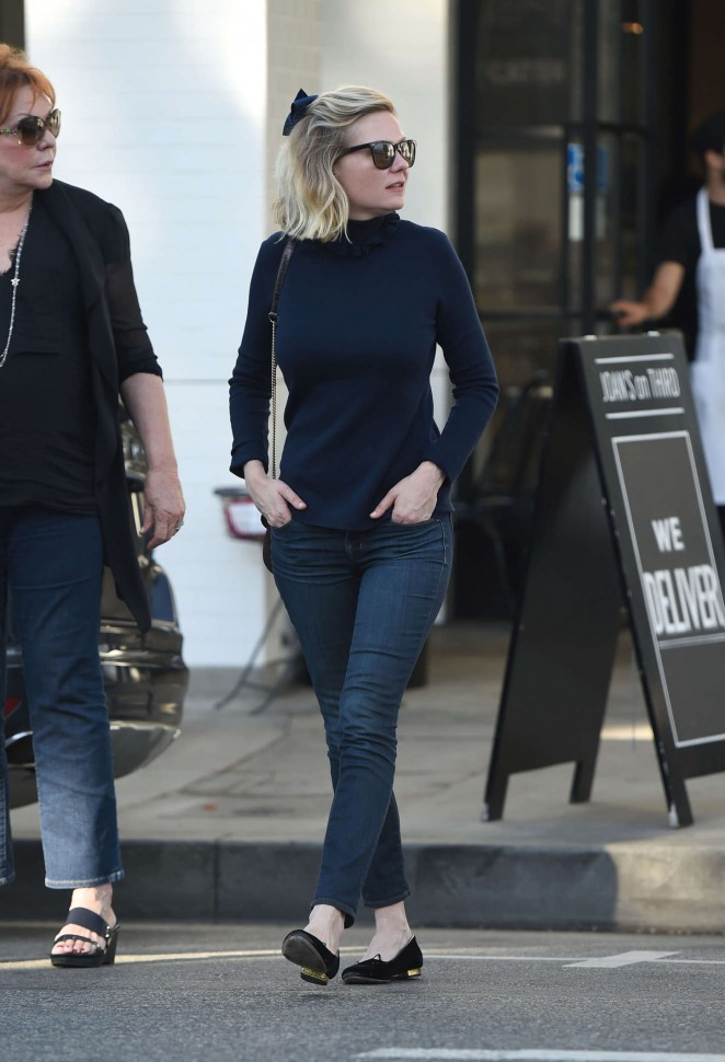 Kirsten Dunst in Jeans at Joan's on Third in LA