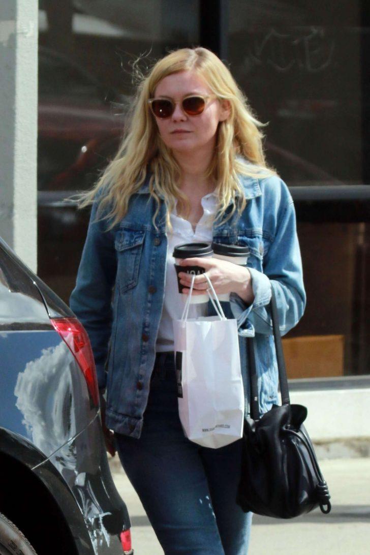 Kirsten Dunst at Joan's On Third in Studio City