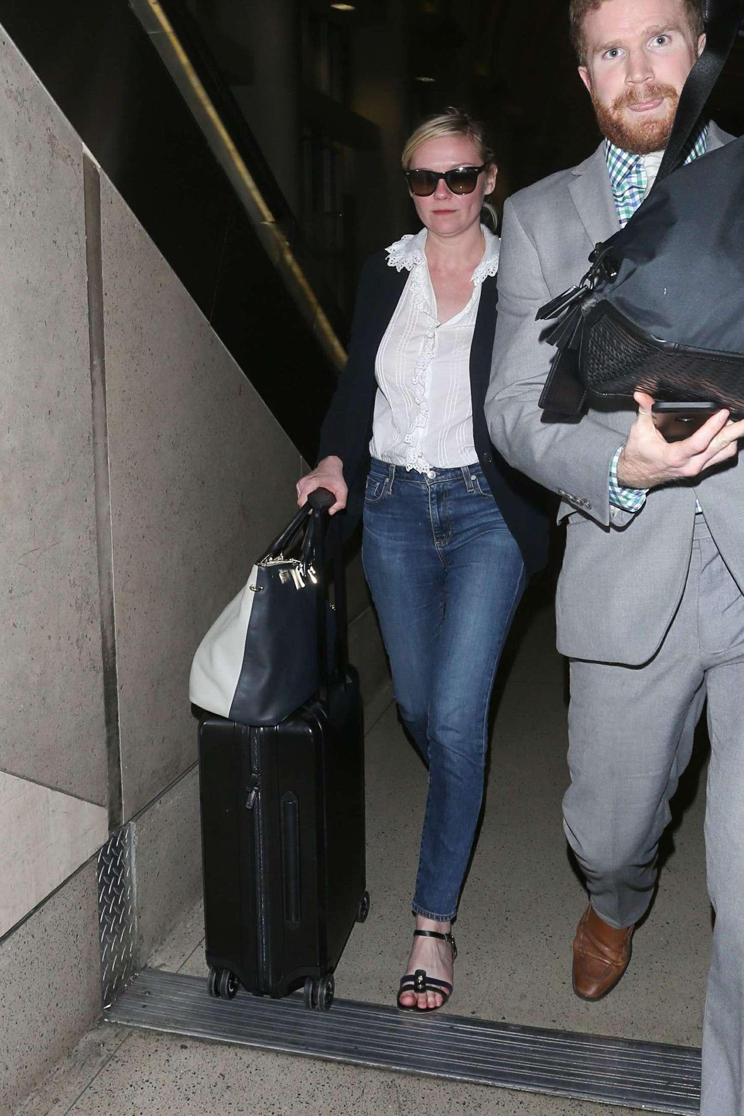 Kirsten Dunst 2016 : Kirsten Dunst at LAX Airport -02