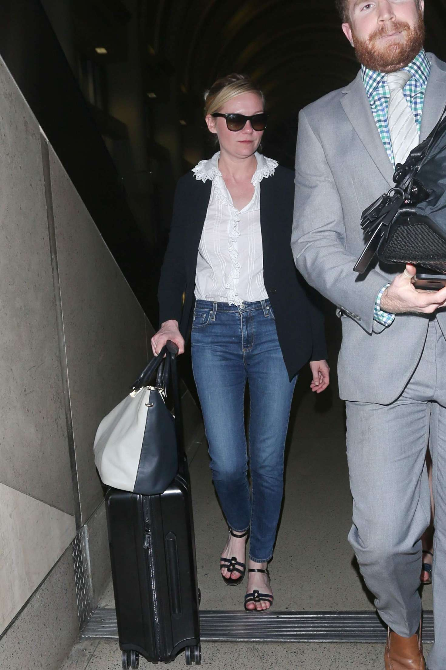 Kirsten Dunst 2016 : Kirsten Dunst at LAX Airport -03
