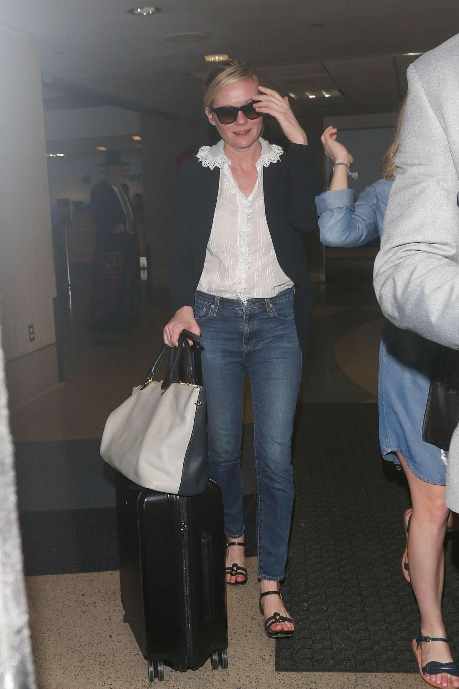 Kirsten Dunst 2016 : Kirsten Dunst at LAX Airport -04