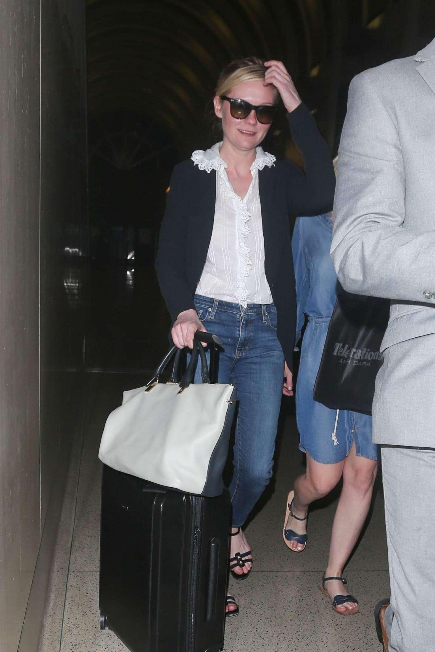 Kirsten Dunst 2016 : Kirsten Dunst at LAX Airport -06