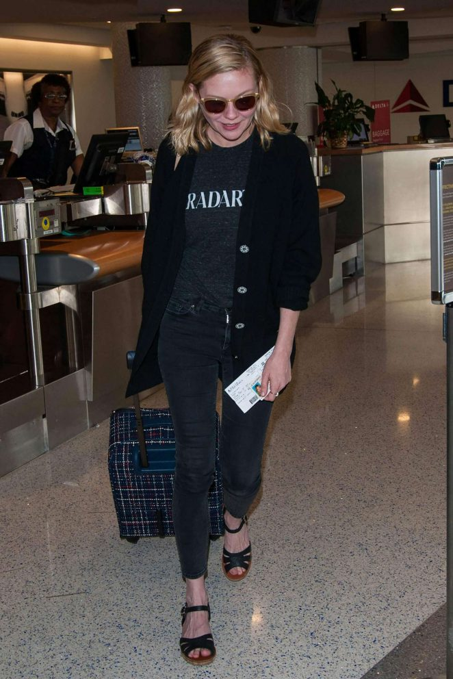 Kirsten Dunst at LAX airport -01