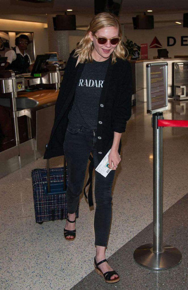 Kirsten Dunst at LAX airport -05