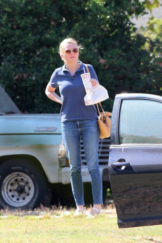 Kirsten Dunst in Jeans Out in Los Angeles