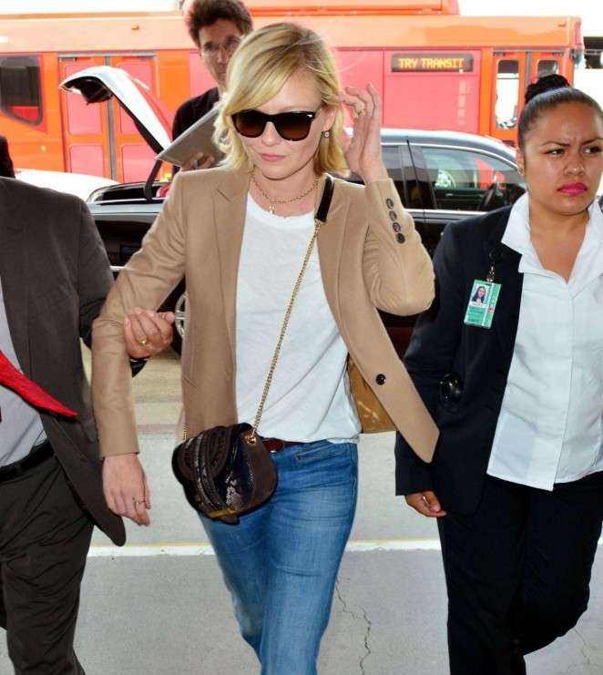 Kirsten Dunst in Jeans at LAX -01